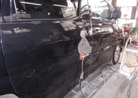 千葉市からトヨタアルファード 左スライドドア 板金塗装
